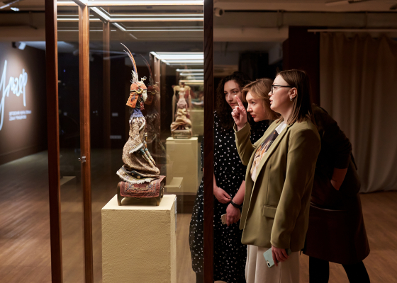 Ульгер. Авторские куклы семьи Даши Намдакова в галерее Виктора Бронштейна. Иркутск
