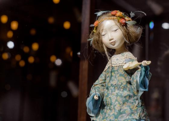 «Ульгер. Авторские куклы семьи Намдаковых» – выставка в Галерее В.Бронштейна