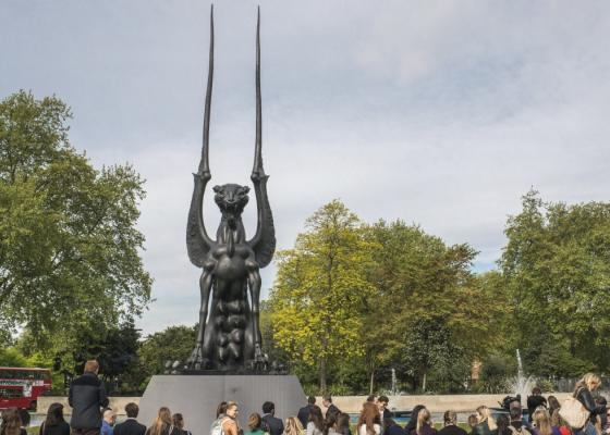 Новый монумент Даши Намдакова в Лондоне
